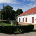 A felújított Fekete István Emlékház Göllében (2019)